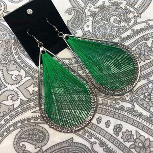 Jewelry - ⬇️ 🌴5 for $20🌴 Threaded tear drop shape earrings